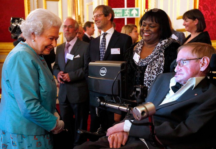 Stephen Hawking with Elizabeth II